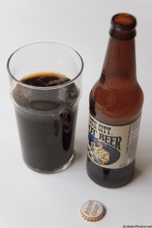 Sioux City Root Beer Poured